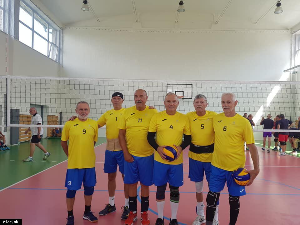Volejbalisti veteráni majstrami SR