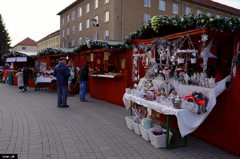 obr: Vianočné obdobie je tu. Čakajú nás trhy, punč a kapustnica