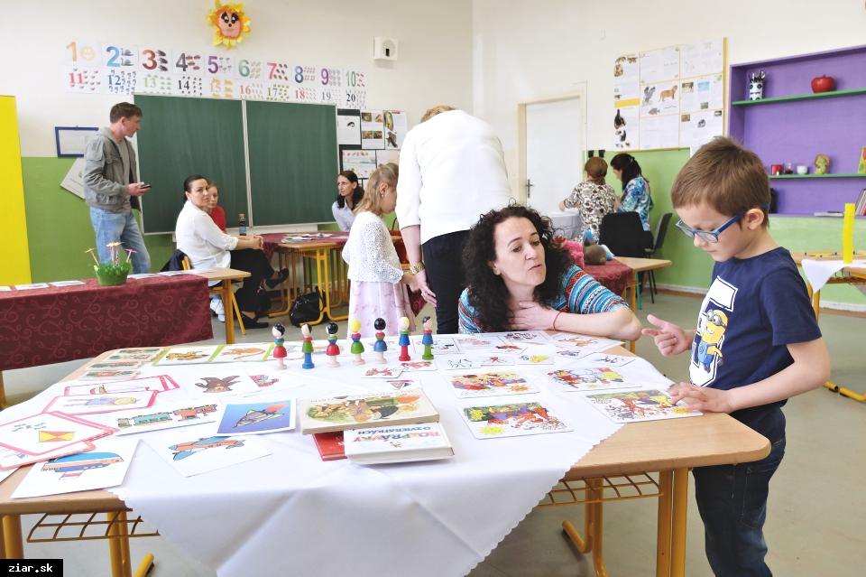 obr: Zápis do prvého ročníka absolvovalo v Žiari 225 predškolákov