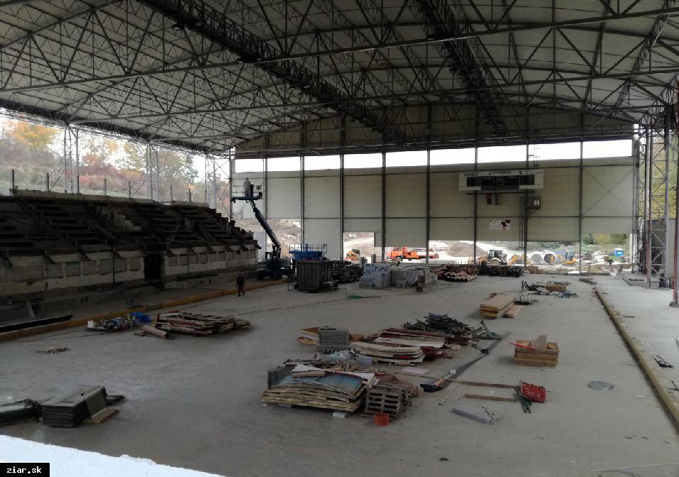 obr: Zimný štadión zaradili do áčkovej kategórie. Zväz pomôže s financovaním nových mantinelov