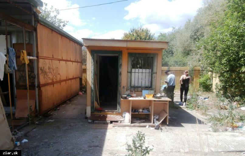 obr: Bezdomovci hľadajú útočisko v areáli Zverexu