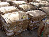 Balíky zlisovaného papiera
