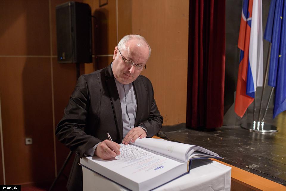 Mgr. MUDr. Štefan Paľúch - za prínos do duchovného života v Žiari nad Hronom