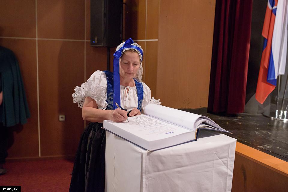 Ľudmila Pulišová - za dobrovoľnícku činnosť spojenú s uchovávaním histórie mesta Žiar nad Hronom