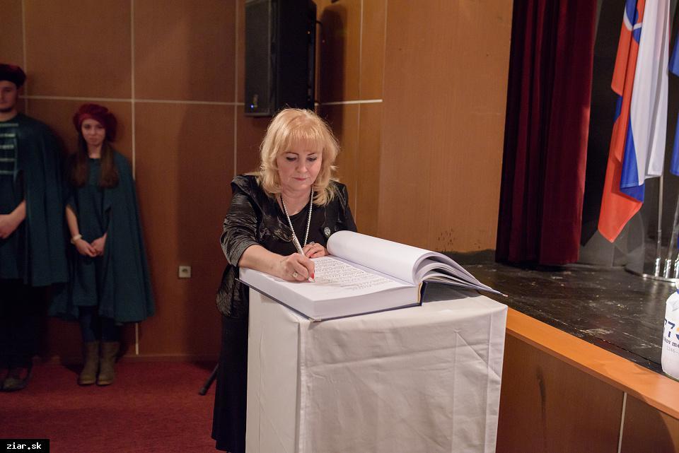 Katarína Gillerová - za prínos do rozvoja slovenskej literatúry