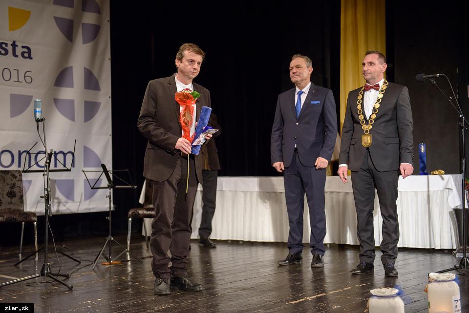 Mgr. Ján Sebechlebský - za vynikajúce tvorivé výkony a významné výsledky v oblasti filmovej réžie a filmovej tvorby