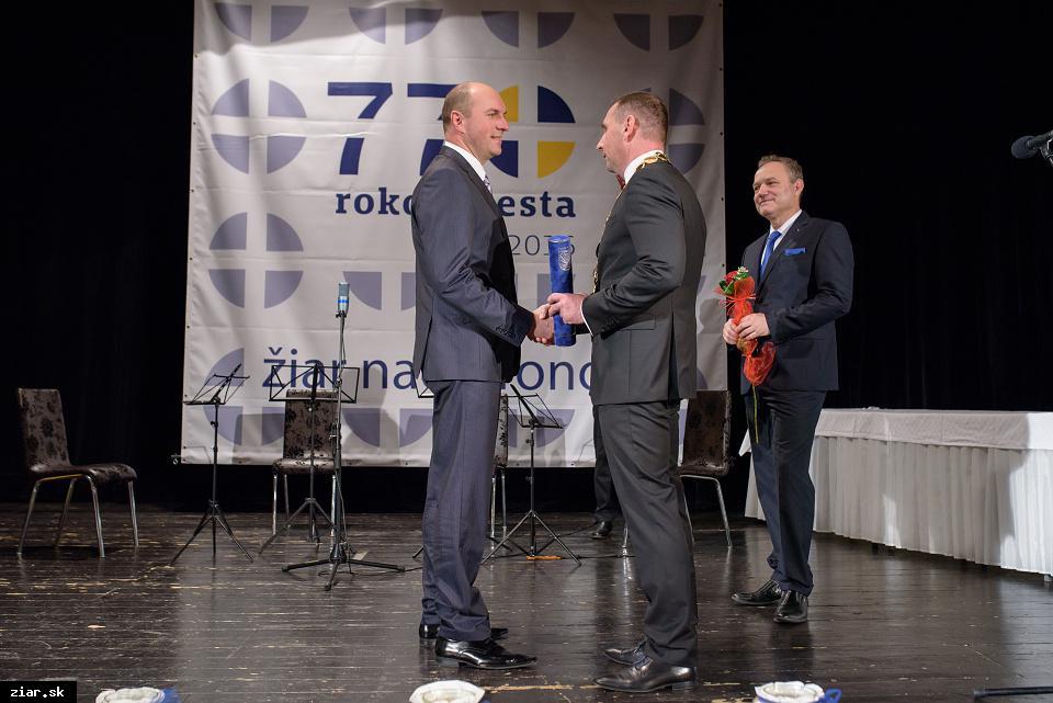 Nadácia ZSNP a Slovalco - za významnú podporu pri rozvoji vzdelávania, kultúry, spoločenského života v meste a za významnú podporu rozvojových projektov mesta